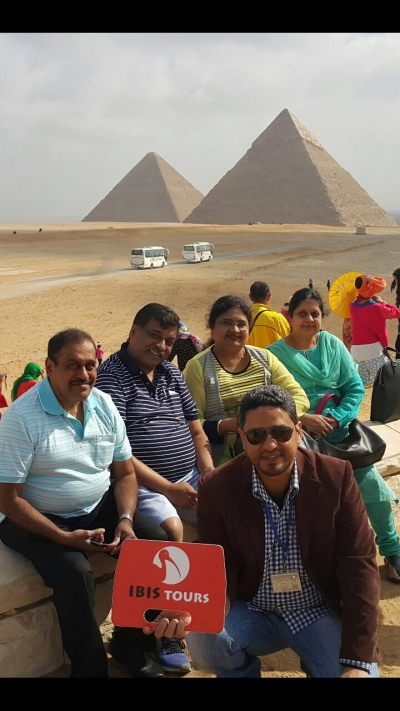Giza Pyramids, Egyptian Museum and Pyramid Light show Tours